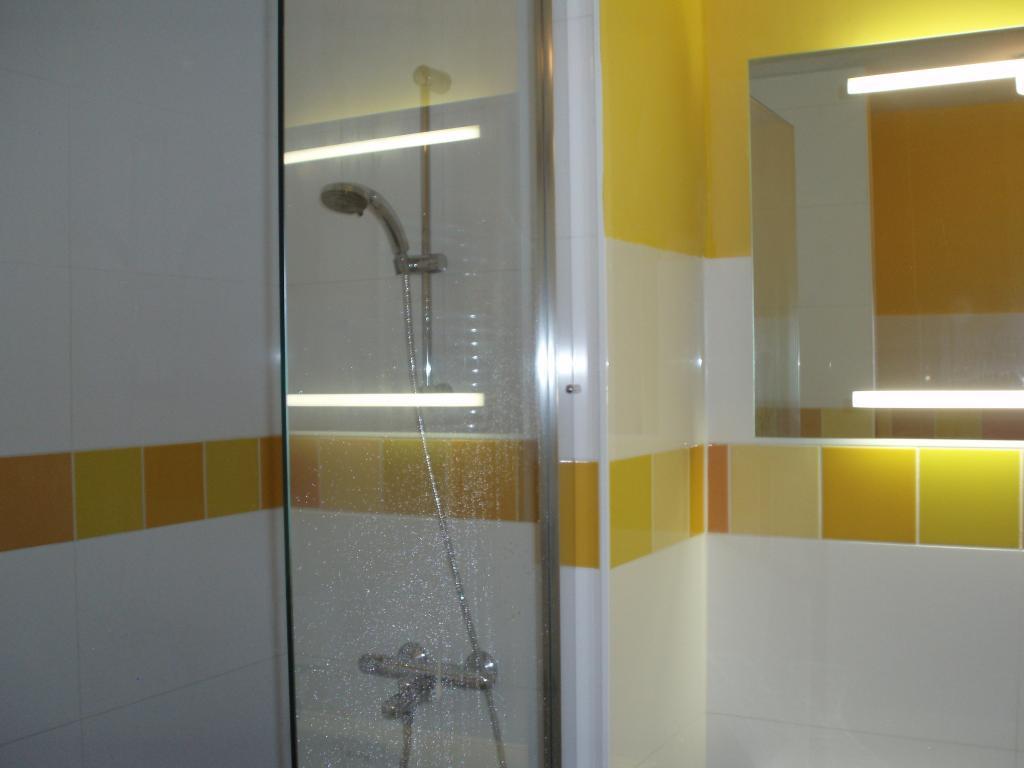 badkamer 1e etage